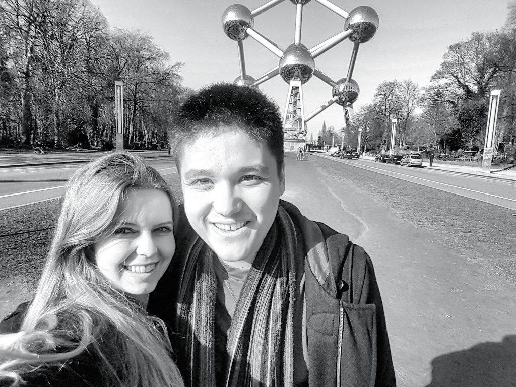 Selfie à l'Atomium de Bruxelles en Belgique